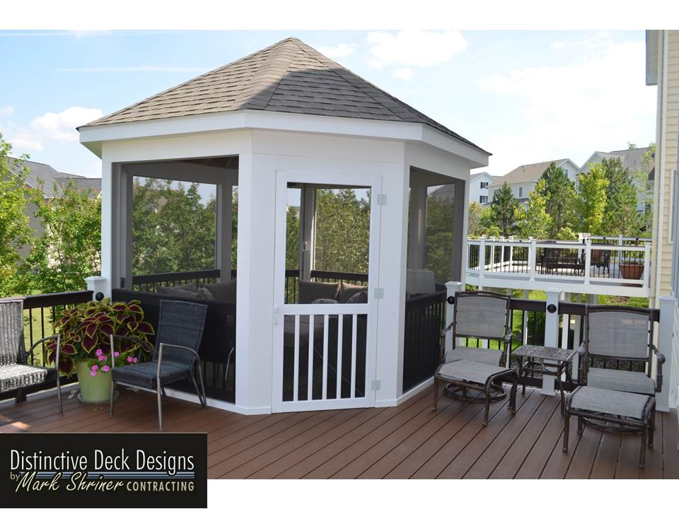 Gazebo and deck in White and Spiced Rum Trex decking colors