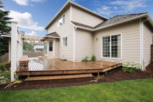 Raised decks are great for families with little ones and pets because there's less risk of fall injuries.