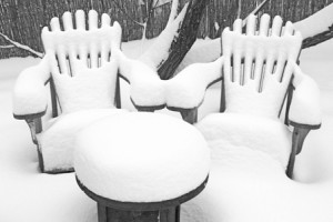 winter-snow-outdoor-furniture
