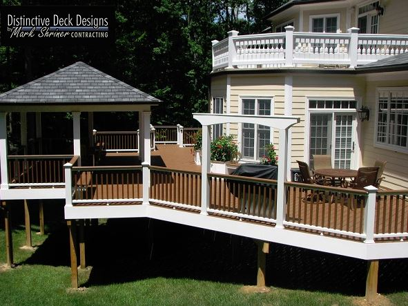 Backyard deck by Virginia Deck Designs