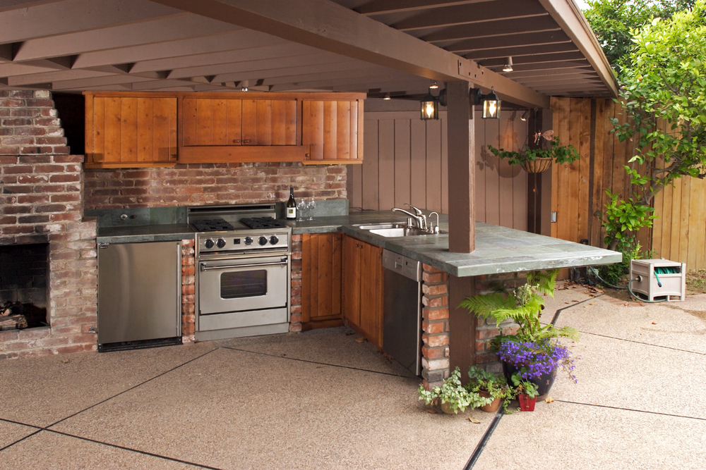 Outdoor Kitchen Clearance - virginiadeckdesigns.com - Shutterstock
