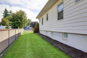 small-side-yard-Fairfax-trilevel-home