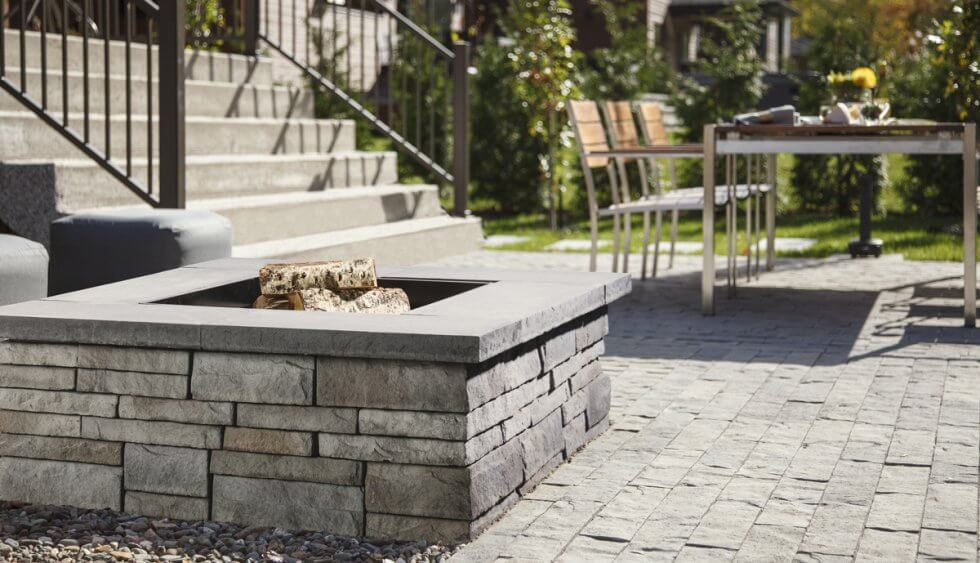 patio fire pit in valencia by techo-bloc