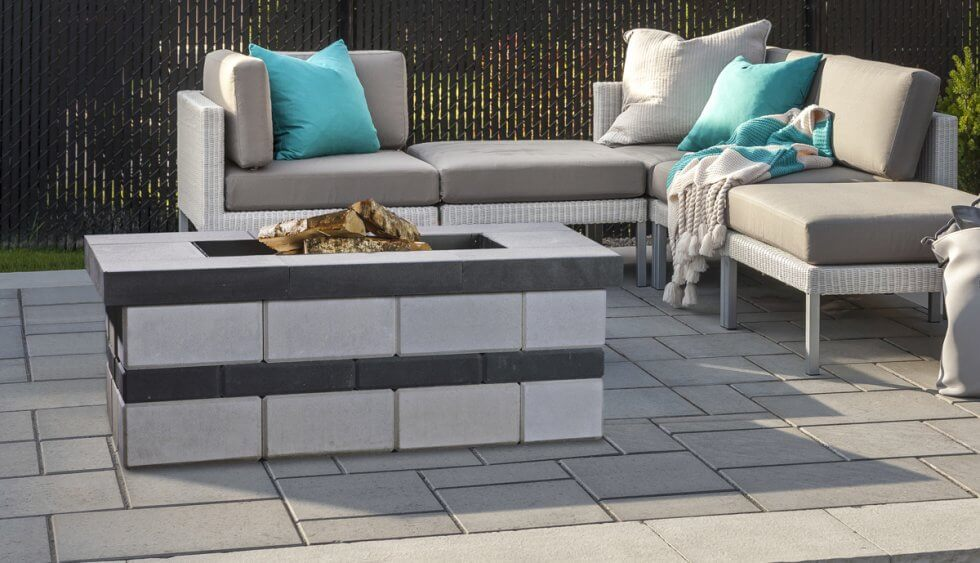 smooth fire pit in raffinato by techo-bloc